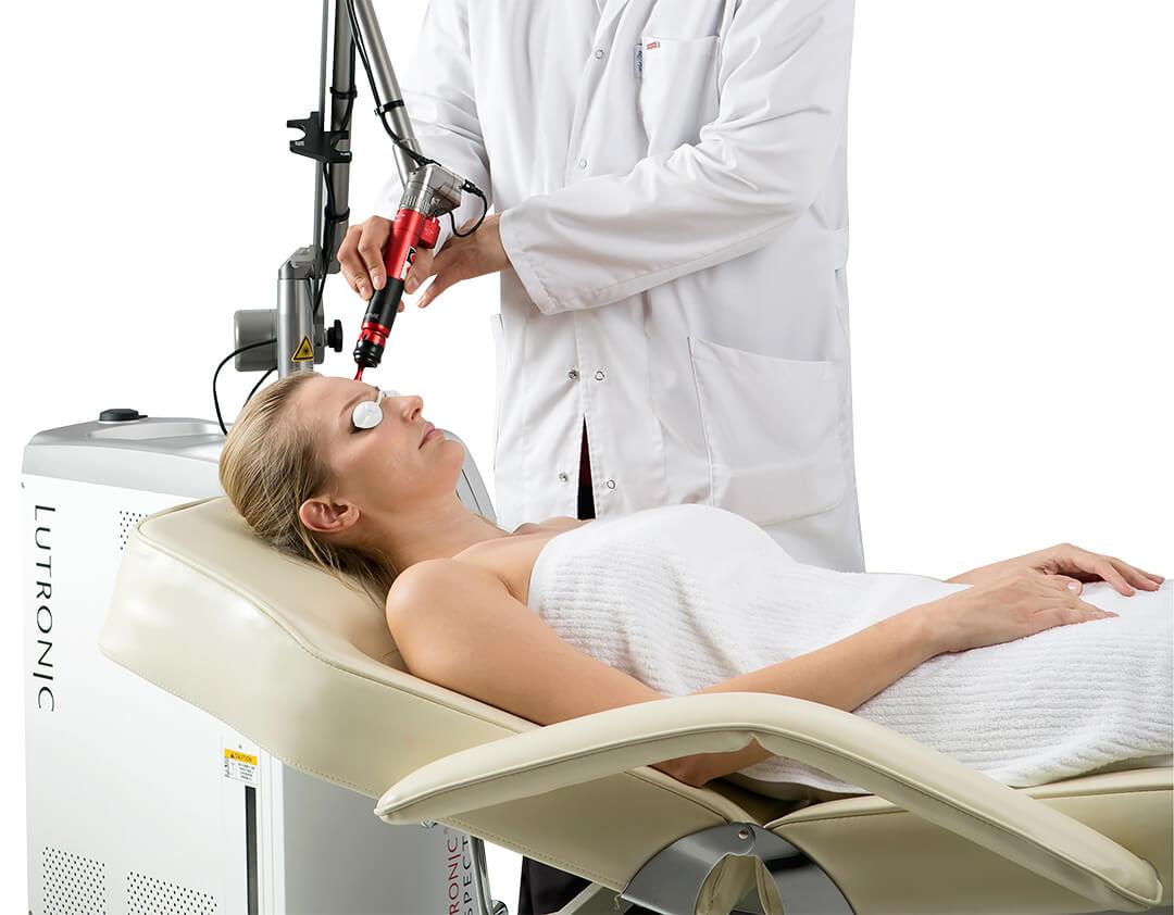 Tratament facial in zona fruntii cu Spectra XT - Lutronic