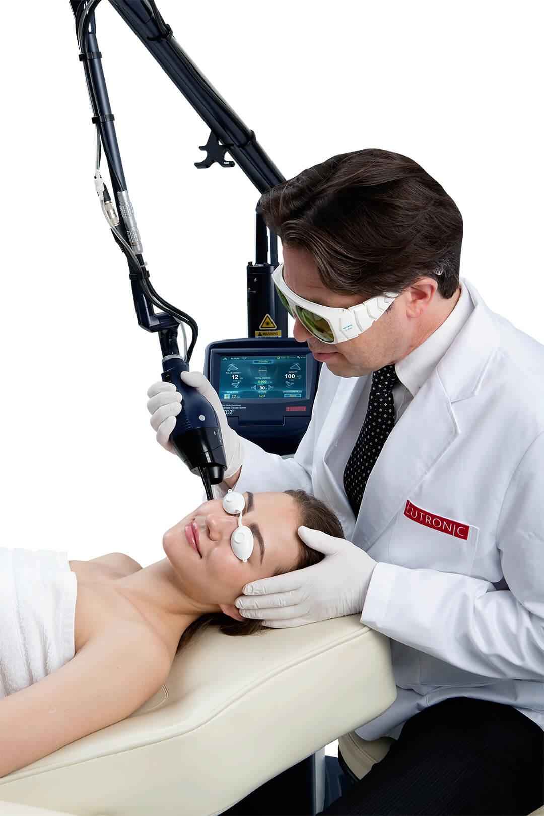 tratament cu laserul cu dioxid de carbon eco2 de la Lutronic